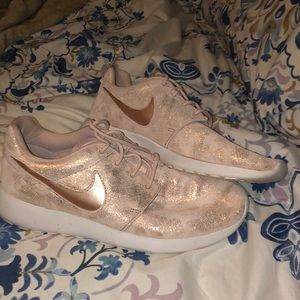 Rose Gold Nike Roshe Run